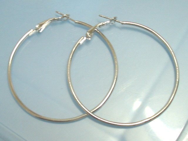 Hot Sale $1.5 Silver huge huggie hoop earring 4.5cm