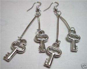 HOT SALE $2 Girl jewelry key charm silver plated dangle earring