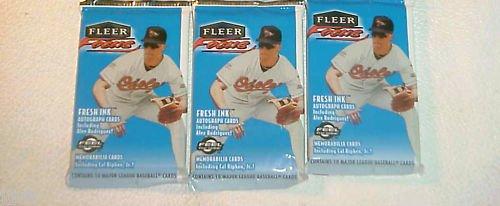 3 new 2000 FLEER FOCUS MLB baseball PACK sealed
