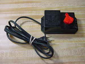 BACHMANN MODEL # 6607 HOBBY TRANSFORMER AC/DC Adapter