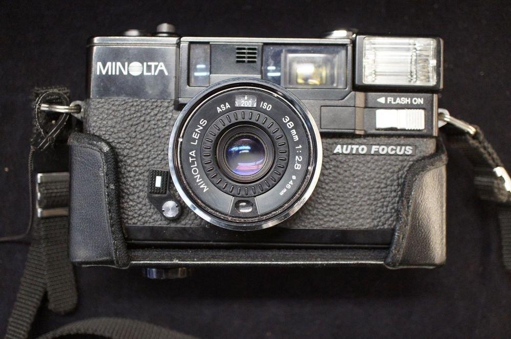 Minolta Hi Matic AF 2 Auto Focus 35mm Rangefinder Film Camera w/ Original Case