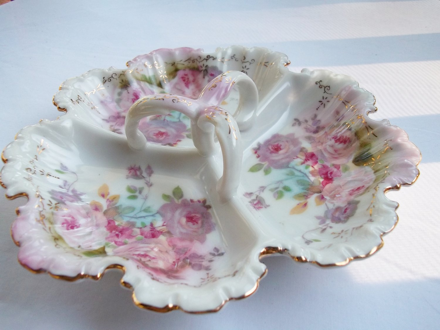 ROYAL CROWN CHANTILLY ROSE 3-SECTION SERVER WITH HANDLE