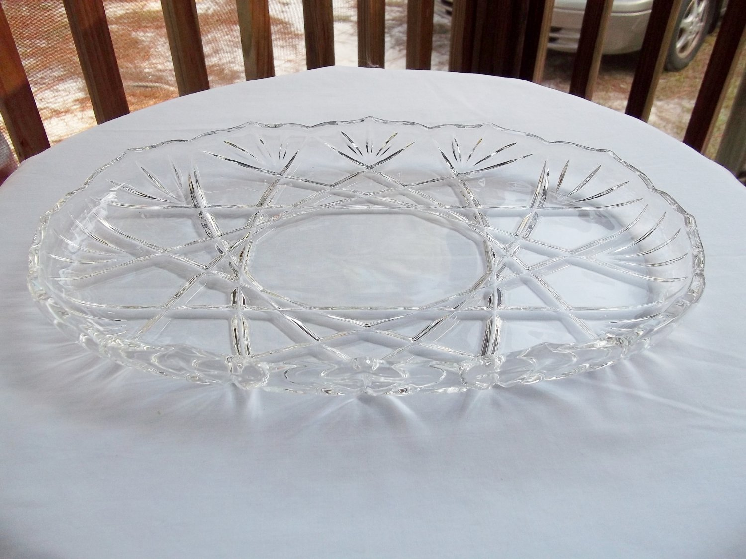 LARGE CLEAR PRESSED GLASS OVAL PLATTER