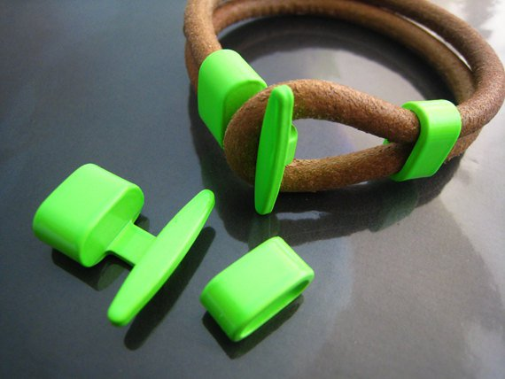 1 Set Neon Green Metal T-Bar Hook Loop Clasp Buckle Toggle End Cap