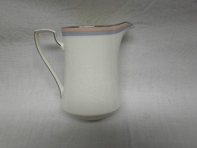 NORITAKE 'Breathless' 8 OZ Creamer #7704, (New Item)