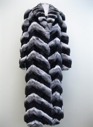 65332r(Ladies Nat Chinchilla + Black Sheared Mink Coat )- size M