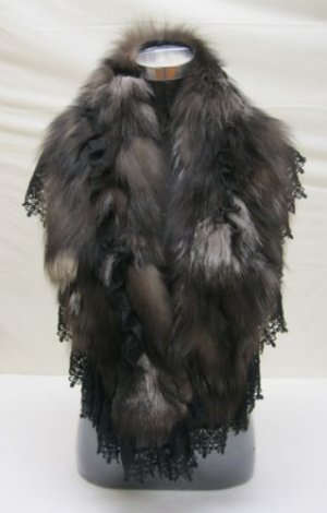 LADIES STUNNING CUTE NATURAL SILVER FOX CAPE - WE0726 (sz F)