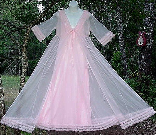 Prettiest Pink FRILLY and SHEER Nylon Chiffon VINTAGE Nightgown and Peignoir Set!