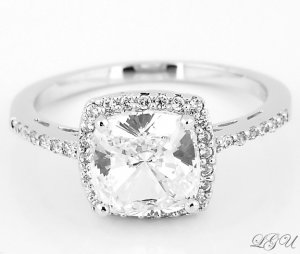 STERLING SILVER 2.5 CT CUSHION CUT ENGAGEMENT/WEDDING SILVER RING SIZE 7