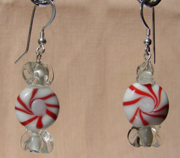 Christmas Holiday Red Lampwork Glass Candy Earrings - C102