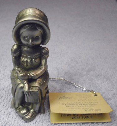 "Holly Hobbie, pewter figurine miniature, "" Sweet Dreams "" limited edition. 1977"