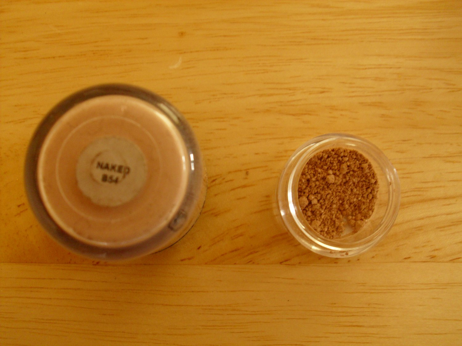 MAC Pigment Sample Naked