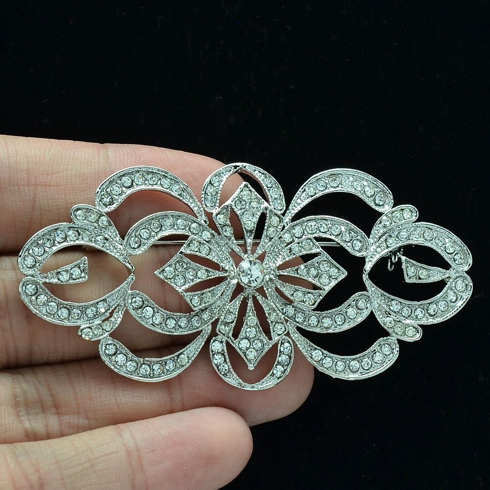 Cute Beautiful Flower Brooch Broach Pins Rhinestone Crystal Women Jewelry XBY123