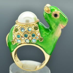 Green Enamel Faux Pearl Dromedary Camel Cocktail Ring Sz 8# Swarovski Crystals