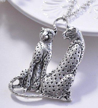 New fashion Unique Silver plated Couple Leopard Cheetah Pendant necklace