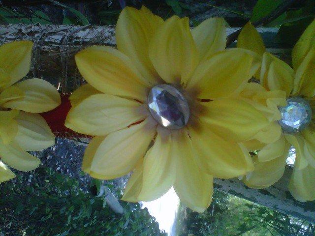 handmade   yellow  flower w/ rhinestone