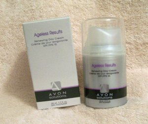 Avon Solutions Ageless Results RENEWING DAY CREAM SPF15 NIB    Free shipping