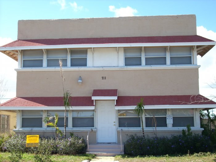 Florida - Palm Beach County - House For Sale - 15 Rooms