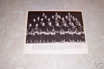 UNIVERSITY OF ILLINOIS 1923 FOOTBALL TEAM PHOTO