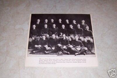 UNIVERSITY OF NOTRE DAME 1913 FOOTBALL TEAM PHOTO