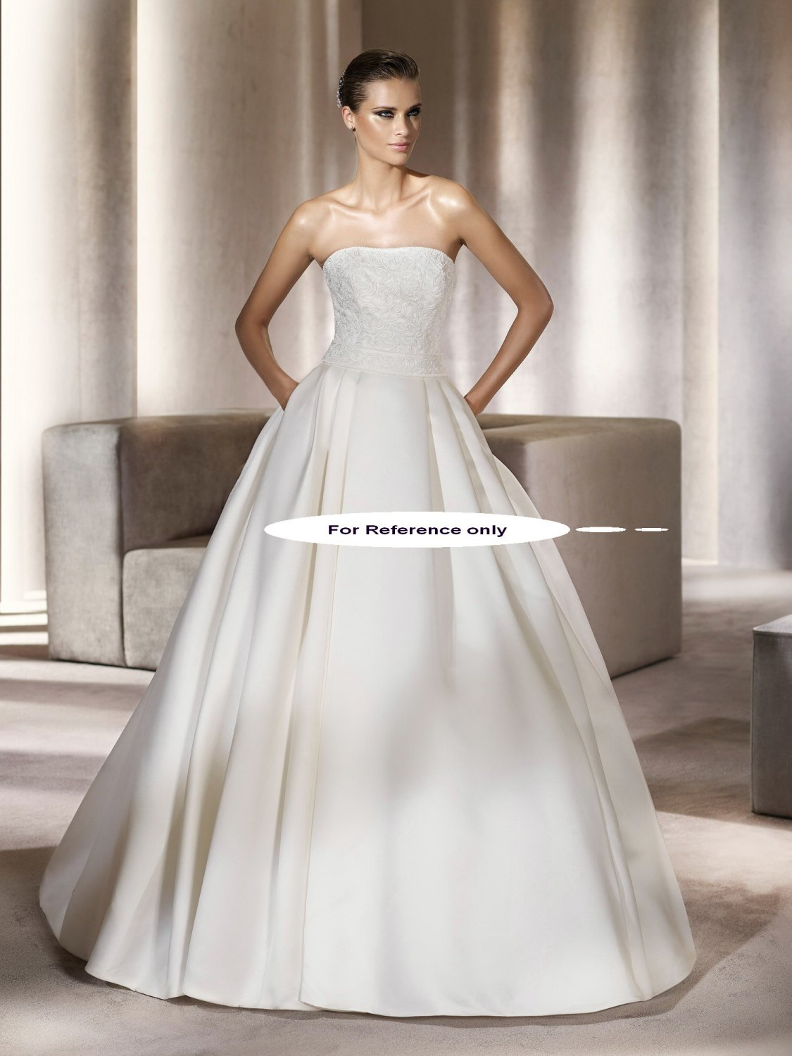 Strapless ball wedding gown-Piccola