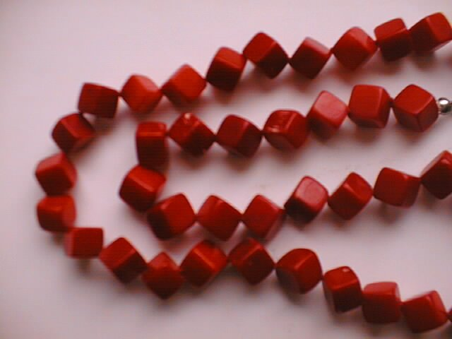 "18"""" square red coral beads necklace"