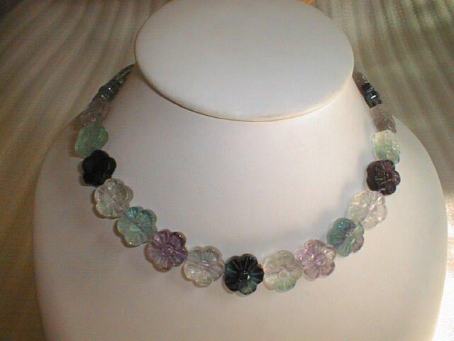 """18"""""""" stunning fluorite flower necklace"""
