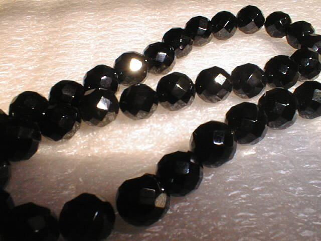 64 shape black agate 10mm beads/necklace