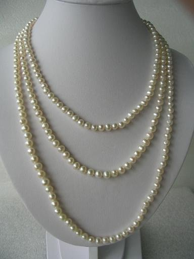 "68"""" super lustrous white FW pearl necklace"