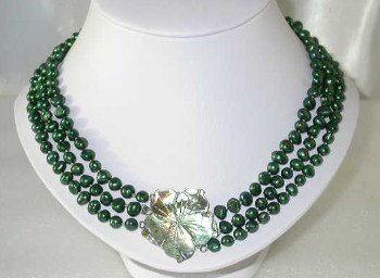 "Lustrous 16""""-18"""" 3-rows 6-7mm green pearl shell clasp"