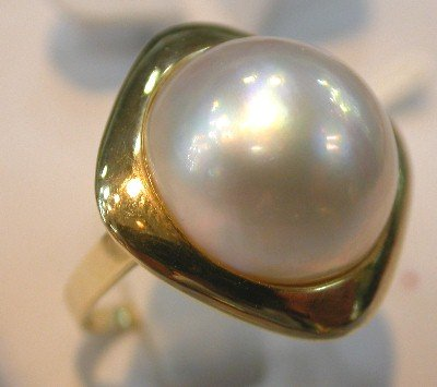 Brand New Exquisite 14K 7.5# 15*15mm cameo white mabe pearl ring