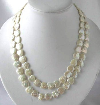"Lustrous 18""""-19"""" white heart pearl necklace"