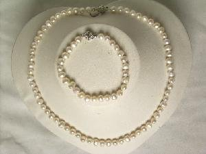 "Beautiful! 17"""" 5-6mm white cultured FW pearl necklace&7\"""" bracel"