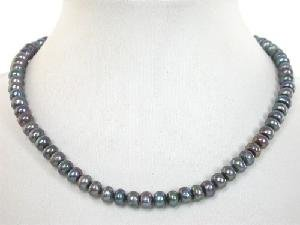 "Beautiful! 15.5"""" black round cultured freshwater pearl necklace"