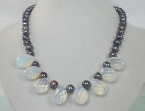 "Beautiful! 16"""" peacock freshwater pearl & white crystal necklace"