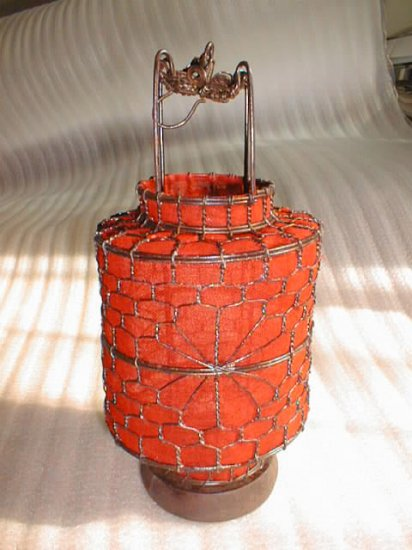 stunning red Chinese traditional stye lantern