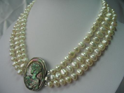 "20-22"""" lustrous 3rows white pearl cameo lady necklace"