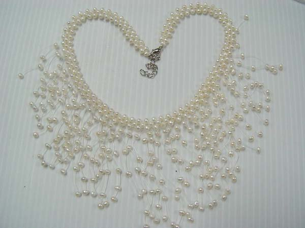 "17"""" beauty 4-5mm white F/W pearl  necklace"