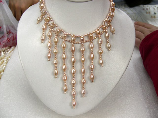ATTRACTIVE 3Row Handmade pink Cultured Pearl Necklace