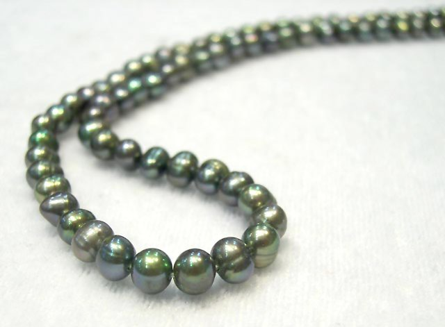 BAROQUE 8-9mm peacock green CULTURED Pearl necklace