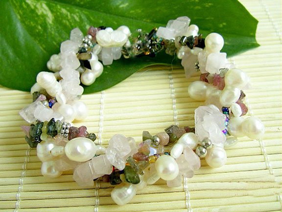 Beauty 6-7mm white cultured Pearl & stones bracelet