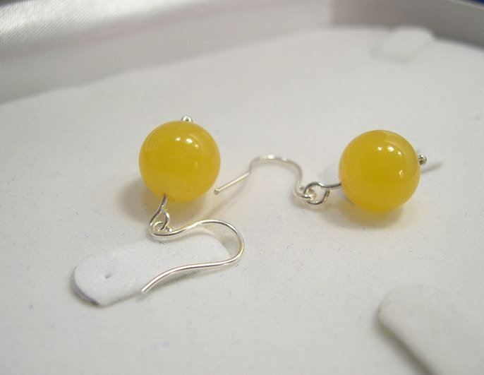 Charming 10MM Yellow Jade earring drop 925s