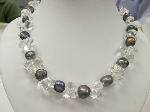 Excelent 17'' white crystal & black FW pearls Necklace
