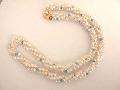 Excelent 18'' 3rows white cultured pearls necklace
