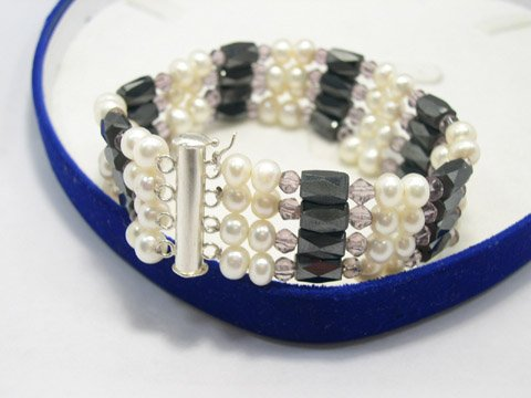 Flowery 4ows white cultured pearl & magnet bracelet 925s
