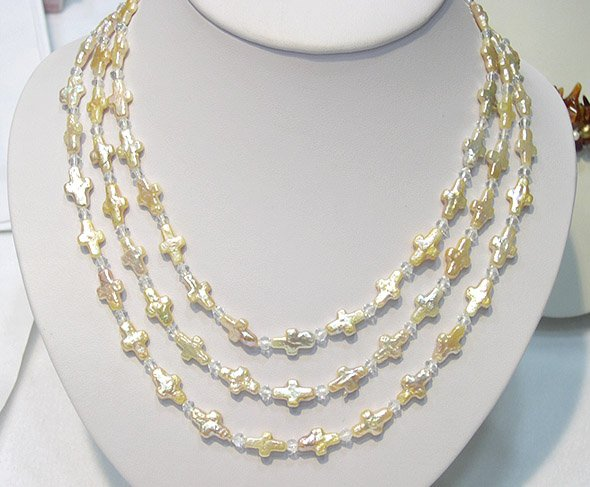 RARE UNIQUE 3ROWS CRUCIATE CULTURED PEARL NECKLACE