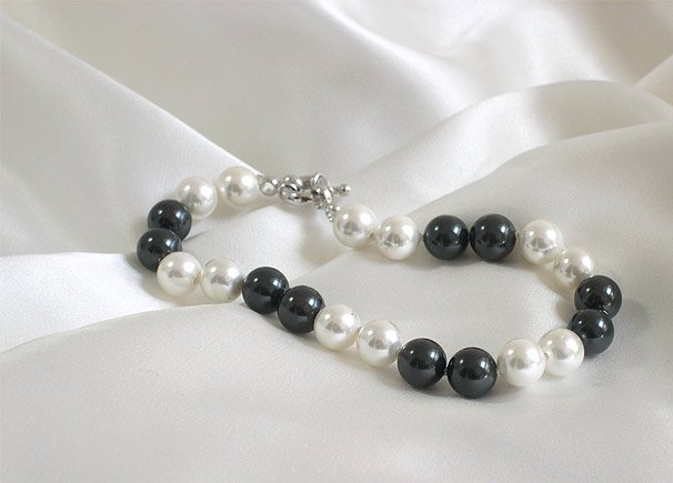 SUPERB 8.5MM 2-COLOR SOUTH SEA SHELL PEARL BRACELET