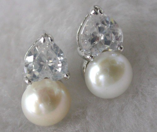 Beauty 8mm white FW pearl rhinestone earring