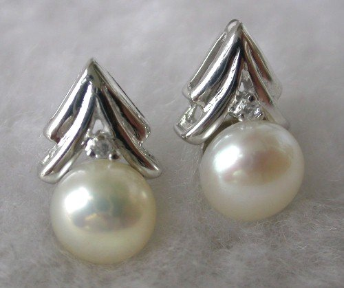 Beauty 8mm white FW pearl tree earring