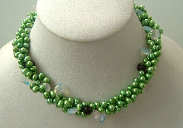 Elegant 3strand green freshwater pearl crystal necklace